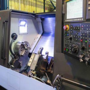 Máy CNC Làm Khuôn Mẫu Đạt Tiêu Chuẩn